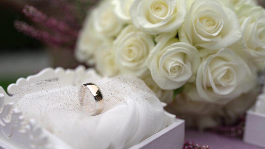 Fede Nuziale Fiori Bouquet Sposa Matrimonio 1024x576