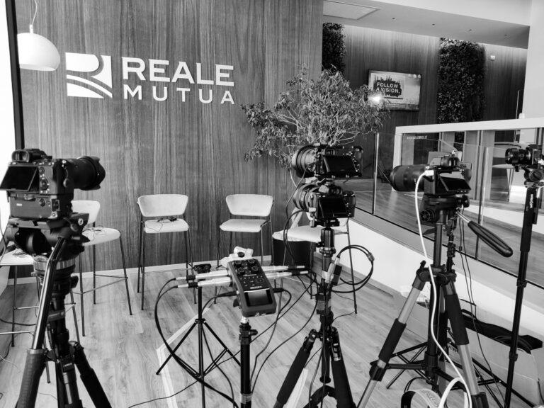 Riprese Video Assicurazione Bergamo Multicam Intervista Scaled 768x576